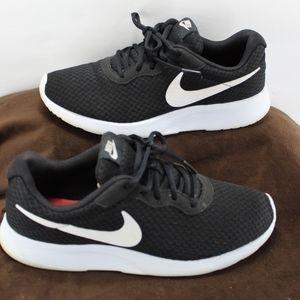 Nike Tanjun Black White Athletic Sneaker